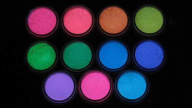 目的に合わせてカラーを選ぼう《ルミックカラー入門蓄光顔料カラーの選び方》