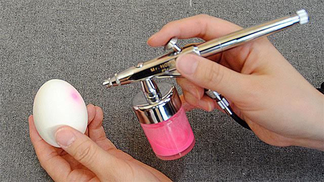 エアブラシを使って光る蓄光塗装!~蓄光パウダーの塗料化と塗装方法~