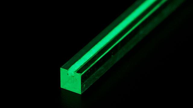 塗料の知識不要【オススメ!コーキング材で色々な物に簡単に蓄光加工する方法】 ~蓄光パウダー使い方~